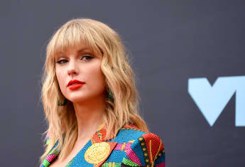 Taylor Swift Calls Out Netflix For Sexism In 'Ginny And Georgia'