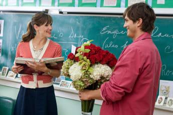 Jennifer Gardner and Ashton Kutcher in 'Valentine's Day'