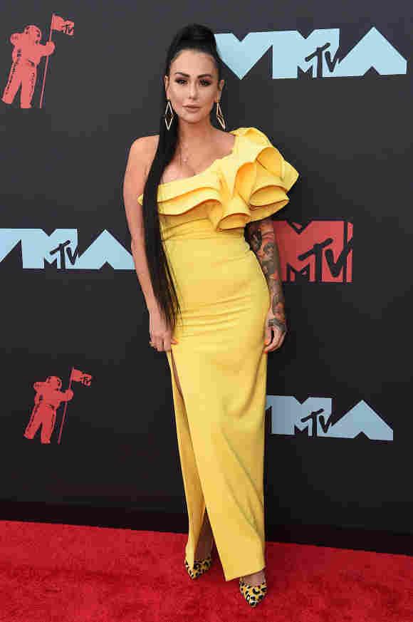 Jennifer Farley attending the 2019 MTV Video Music Awards