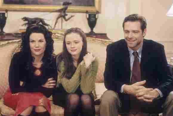 Film Stills from Gilmore Girls (Episode: Christopher Returns) Lauren Graham, Alexis Bledel, David Sutcliffe 2001