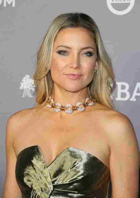 Kate Hudson arrives for the 2019 Baby2Baby Fundraising Gala at 3Labs in Culver City, California on November 9, 2019