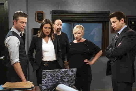 Law & Order: SVU: Cast Members Exiting In New Season 23 Premiere episode release date Jamie Gray Hyder Demore Barnes actors stars characters Kat Garland