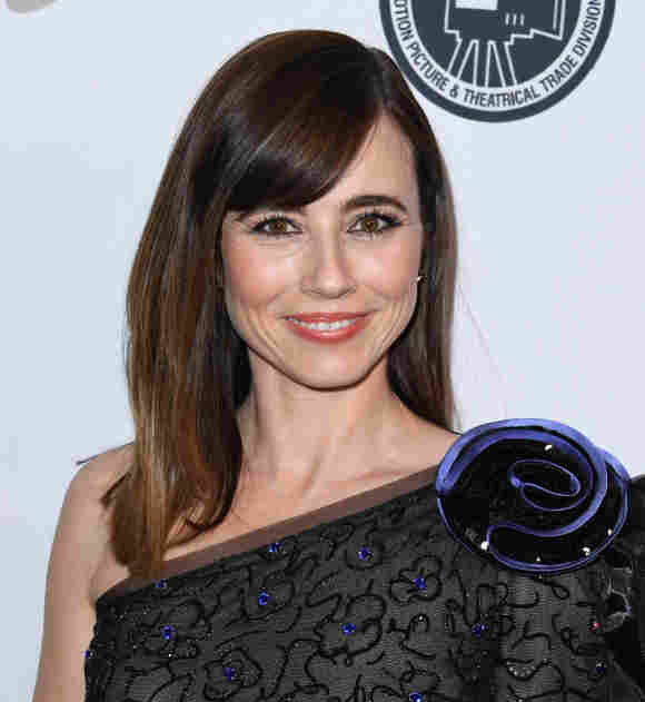 Linda Cardellini attends the Casting Society Of America's Artios Awards at The Beverly Hilton Hotel on January 30, 2020 in Beverly Hills, California