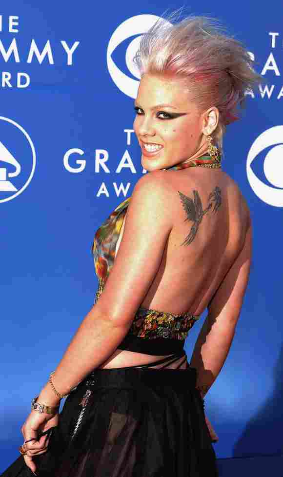 Pink arrives at the 44th Annual Grammy Awards in Los Angeles, CA, 27 February 2002.