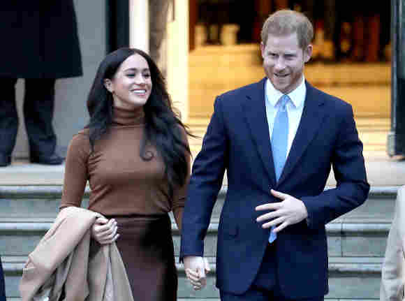 Prince Harry & Duchess Meghan Could Visit UK Again Sooner Than Expected September 2021 Princess Diana event ceremony royal family reunion