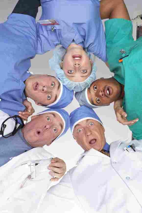 Sarah Chalke, Donald Faison, Ken Jenkins, John C. McGinley and Zach Braff in 'Scrubs'