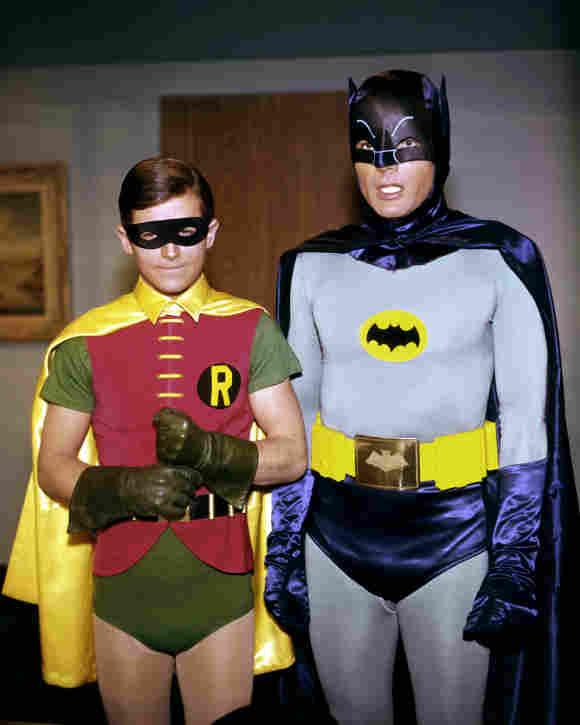 Adam West y Burt Ward como Batman y Robin en la década de 1960.