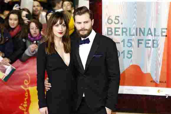 Dakota Johnson y Jamie Dornan durante el Festival Internacional de Cine de Berlín en febrero de 2015