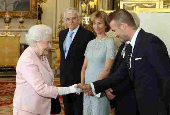 Deep Curtsy: When Celebrities Meet The Queen