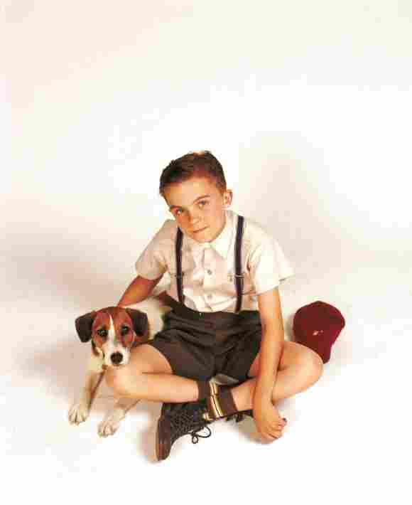 Frankie Muniz en una imagen promocional de la película 'My Dog Skip'