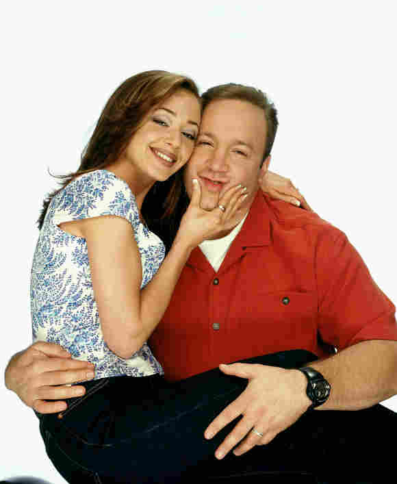 """Leah Remini and Kevin James: """"Carrie"""" and """"Doug"""" in 'The King of Queens'"""