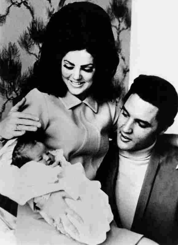 Lisa Marie, Elvis Presley y Priscilla Presley