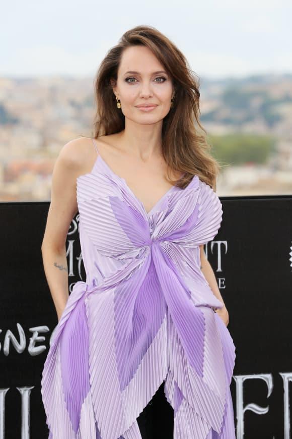 """Angelina Jolie asiste al photocall de la película """"Maléfica - Mistress Of Evil"""""""