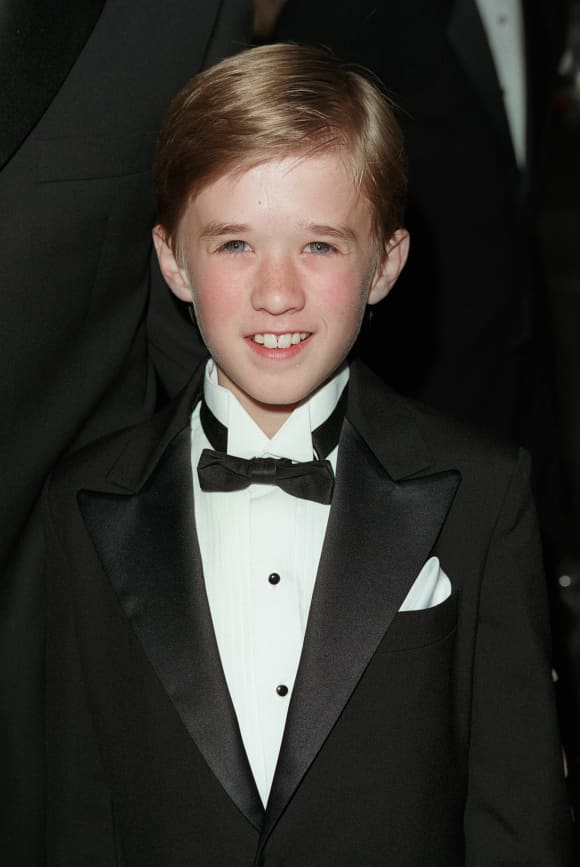 Child Stars: Then And Now actors forgotten today 2021 where are they Haley Joel Osment