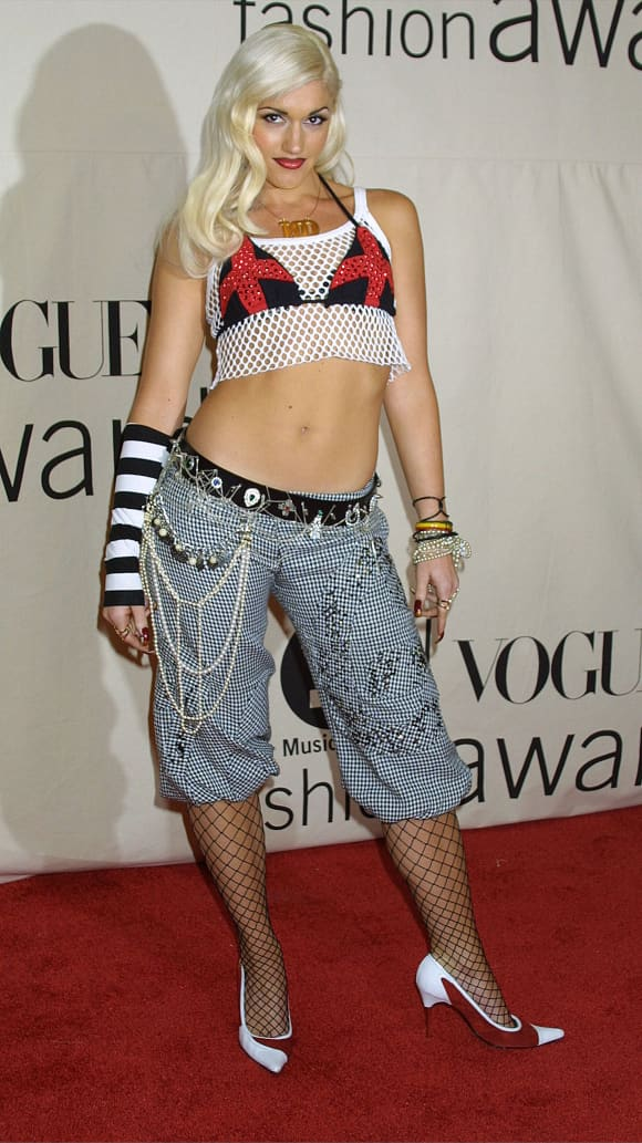 Gwen Stefani attends the 2001 VH1/Vogue Fashion Awards October 19, 2001