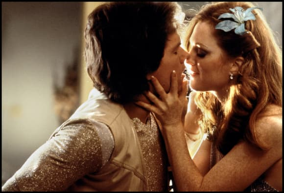 Mark Wahlberg y Julianne Moore en 'Boogie Nights'