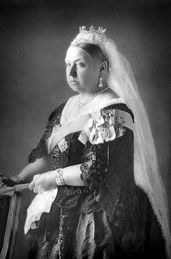 Queen Victoria: Her Life and Reign In Pictures Photographs Portraits