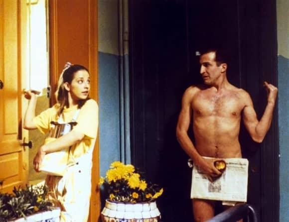 Claudia Ramírez y Daniel Giménez Cacho en una escena de la película 'Sólo con tu pareja'