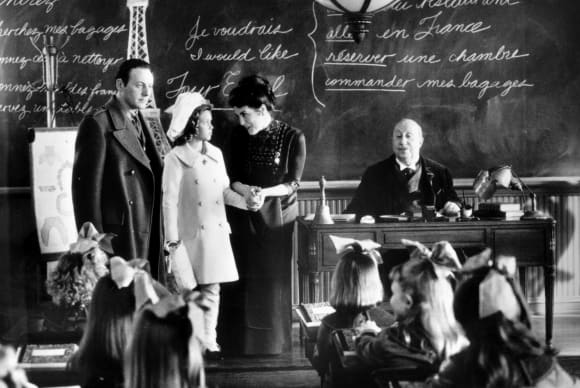Liam Cunningham y Liesel Matthews en una escena de la película 'A Little Princess'