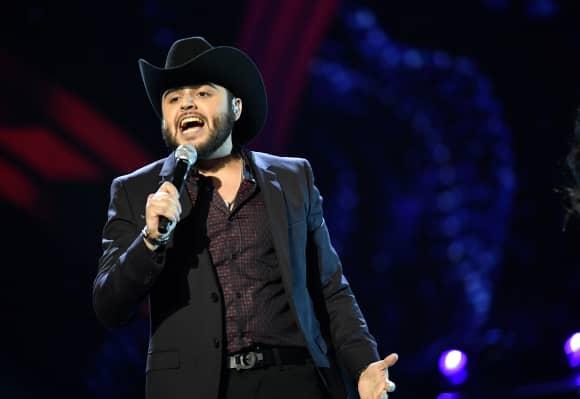 Gerardo Ortiz en los Latin American Music Awards de 2016