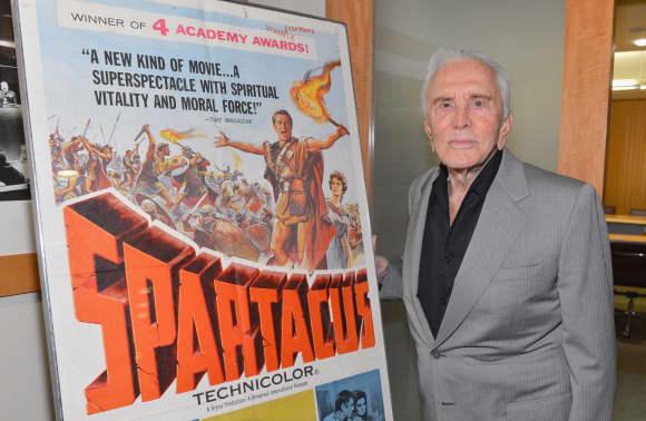 Kirk Douglas, ícono de Hollywood y Spartacus Star, muere a los 103 años