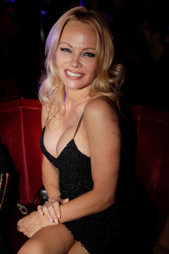 Pamela Anderson Married Her Security Guard In Secret!